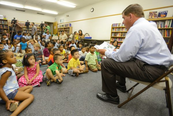 Mayor Marty Walsh reads to Boston children